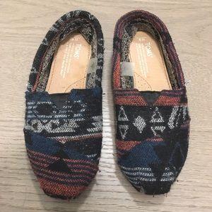 Size 6 Toms tribal pattern